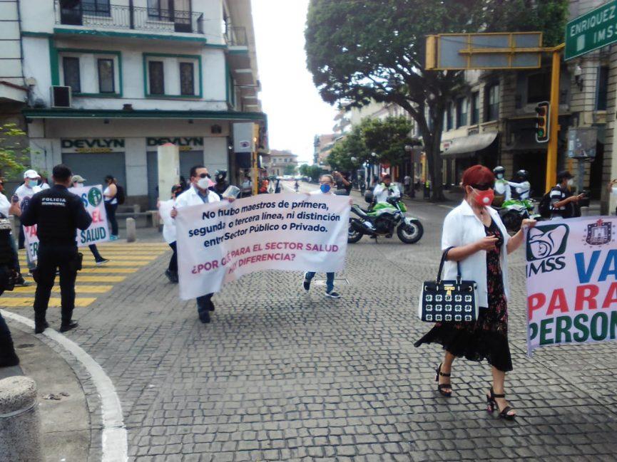"""Médicos luego de marchas: """"Después nosotros daremos la cara por ellos"""""""