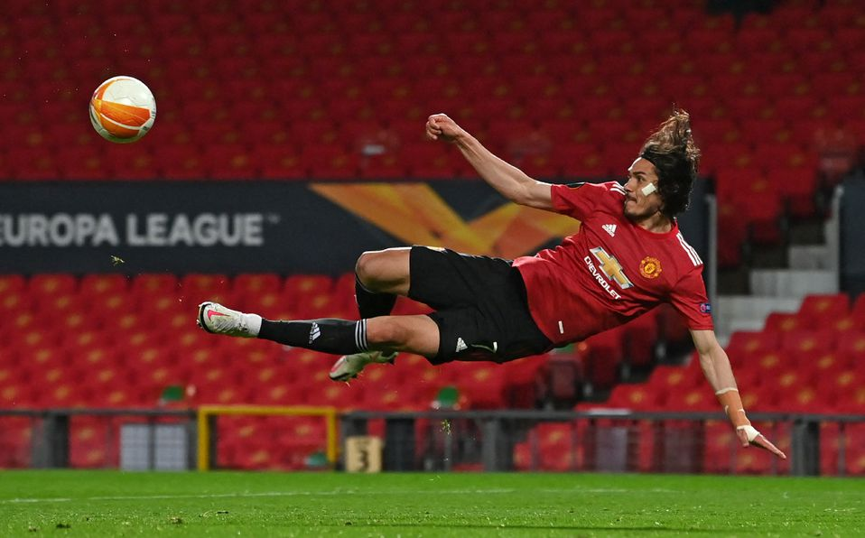 Edinson Cavani renueva su contrato con Manchester United