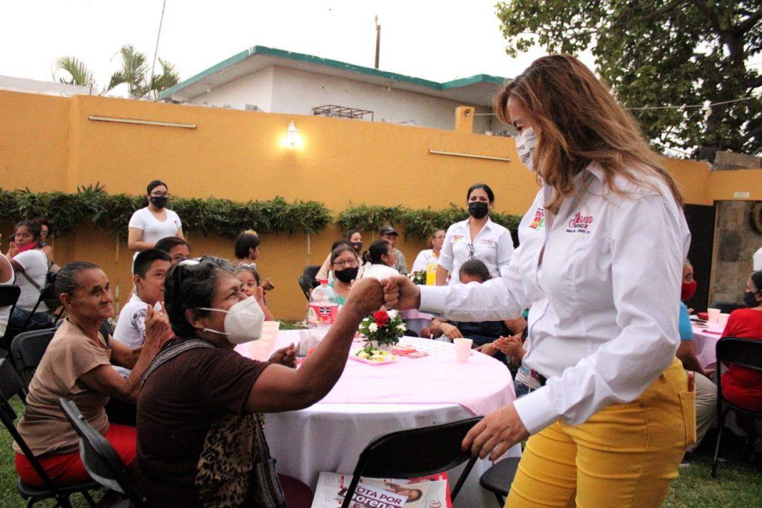 Diana Santiago creará el Centro de Apoyo Integral de la Mujer