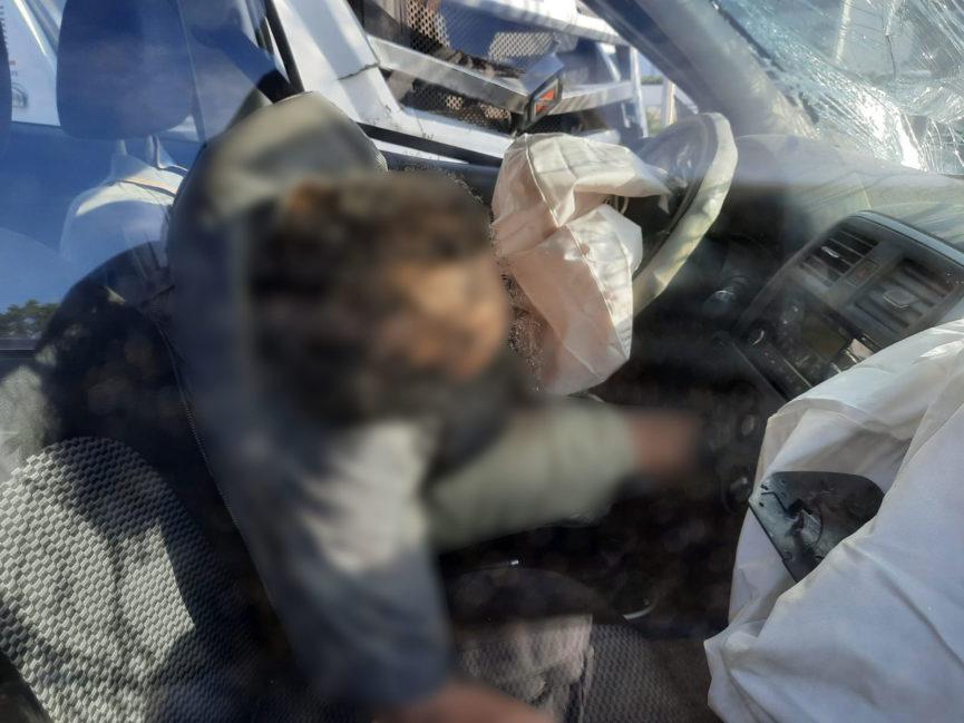 Muere automovilista tras chocar contra camión