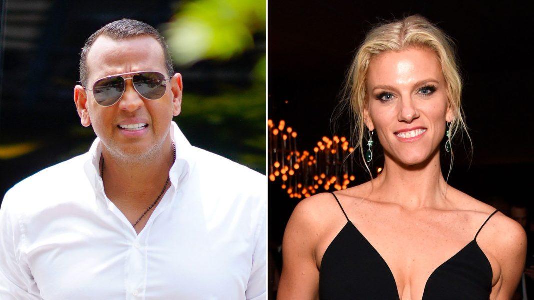 Captan a Alex Rodríguez de fiesta con una ex de Ben Affleck