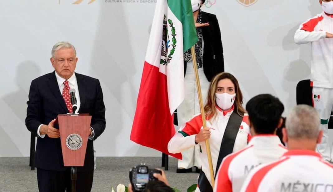 Gaby López la primera golfista abanderada
