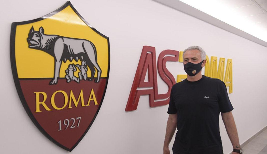 Presentan a Mourinho como técnico de la Roma