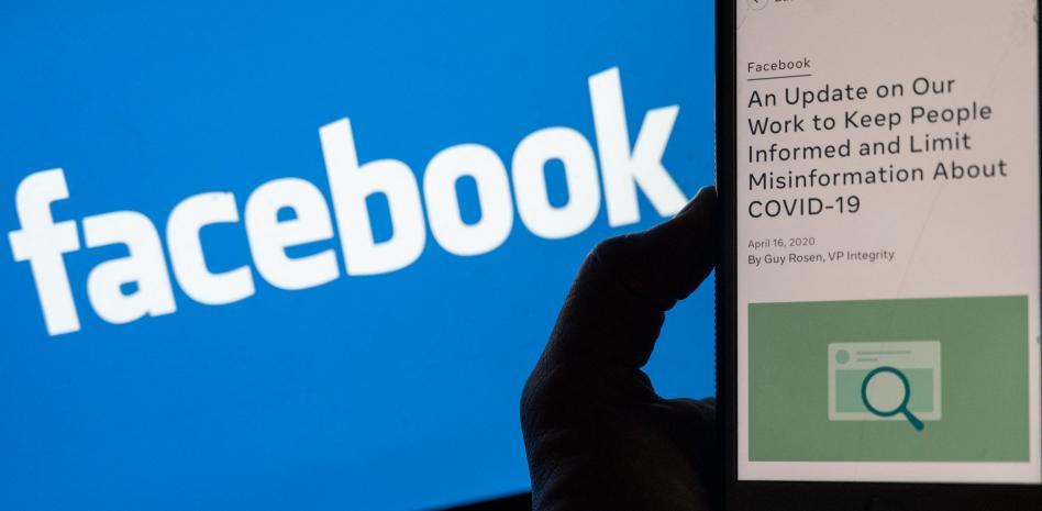 Facebook se defiende contra Biden: 85% de los usuarios quieren vacunarse