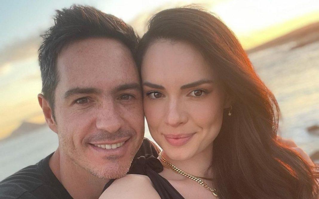Mauricio Ochmann defiende su relación con Paulina Burrola: