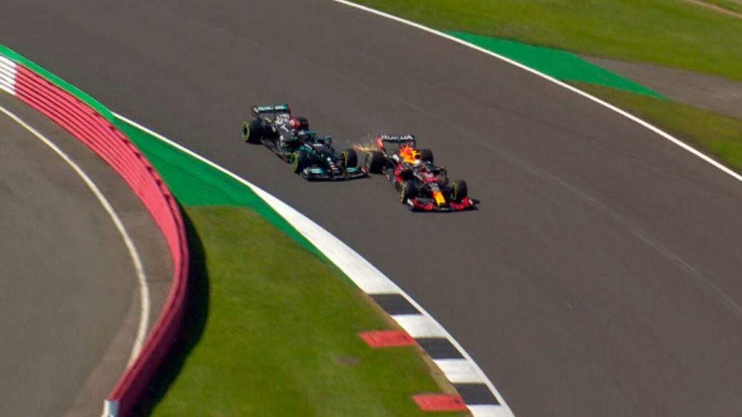 Mercedes defiende a Lewis Hamilton tras accidente con Max Verstappen