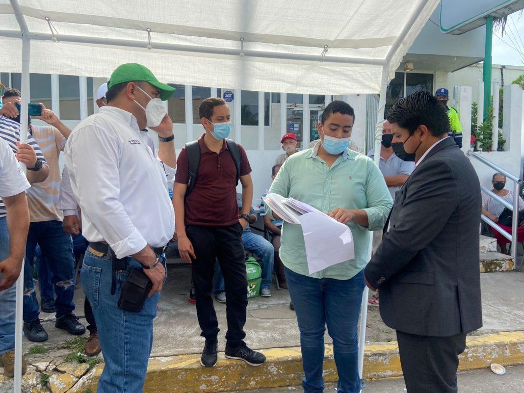 Alcalde de Alvarado acusa abuso de autoridad de CFE