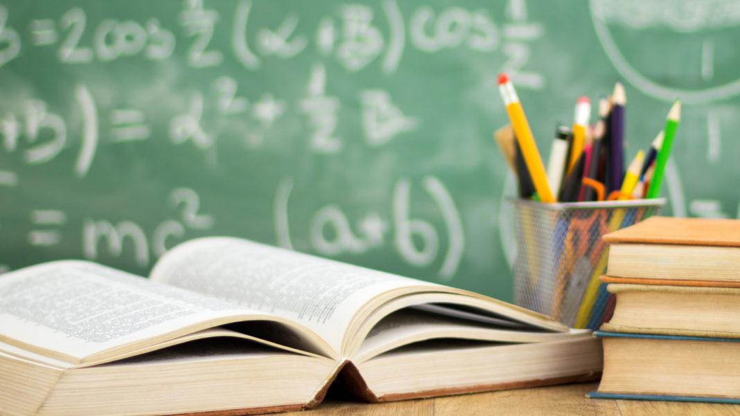 AMLO buscará reinstalar a docentes despedidos por oponerse a reforma educativa