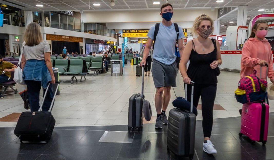 Inglaterra prohíbe entrada de mexicanos por covid-19