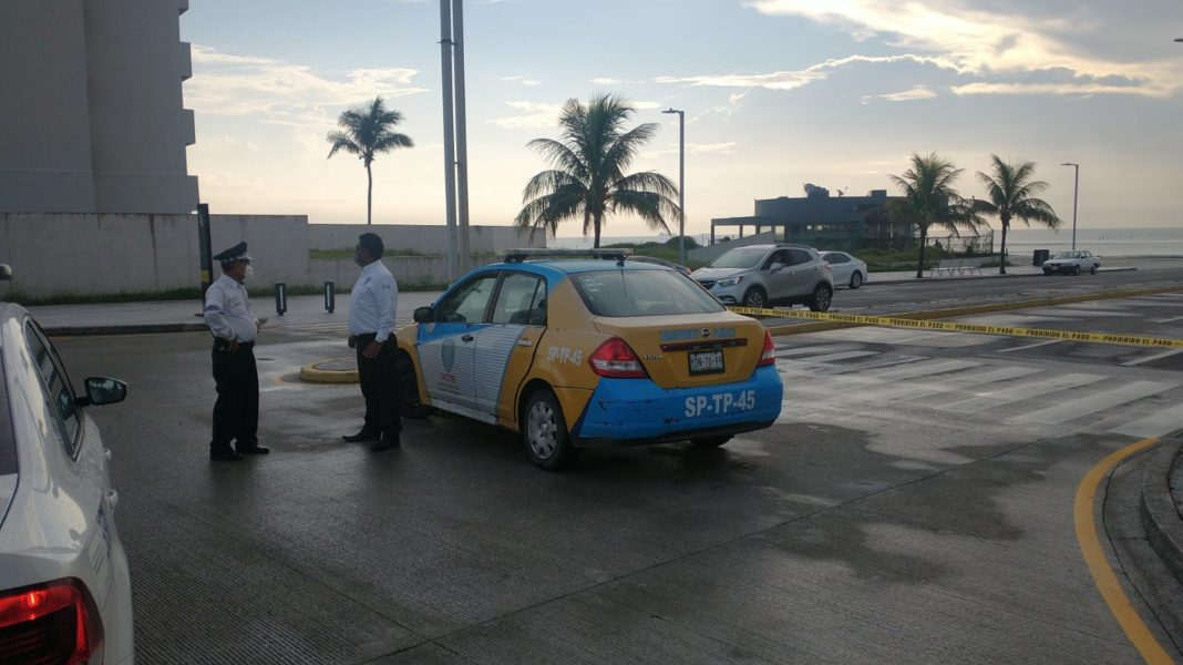 Realizan cortes viales en Boca del Río por tercera ola de Covid-19