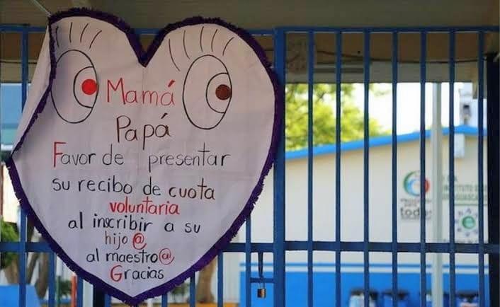 Escuelas de Veracruz obligan al pago de cuotas escolares, reportan padres de familia