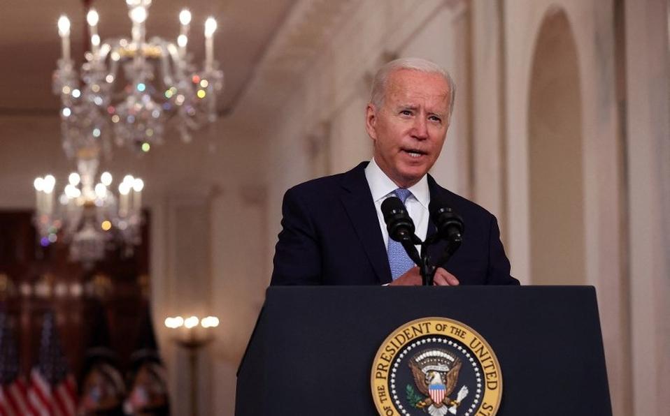 """Biden elogia como """"extraordinario éxito"""" la evacuación de EU en Afganistán"""