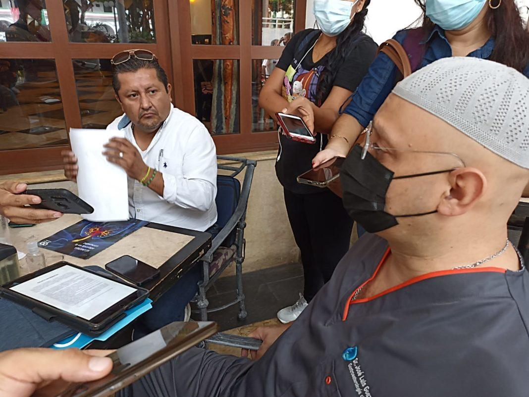 Denuncia actos de corrupción en el Hospital de Pemex y FGR Veracruz