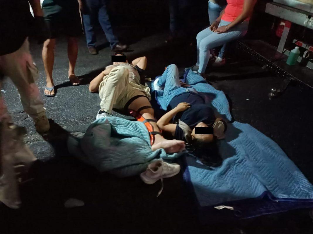 Se accidentan empleados de Bienestar en la Poza Rica-Cardel