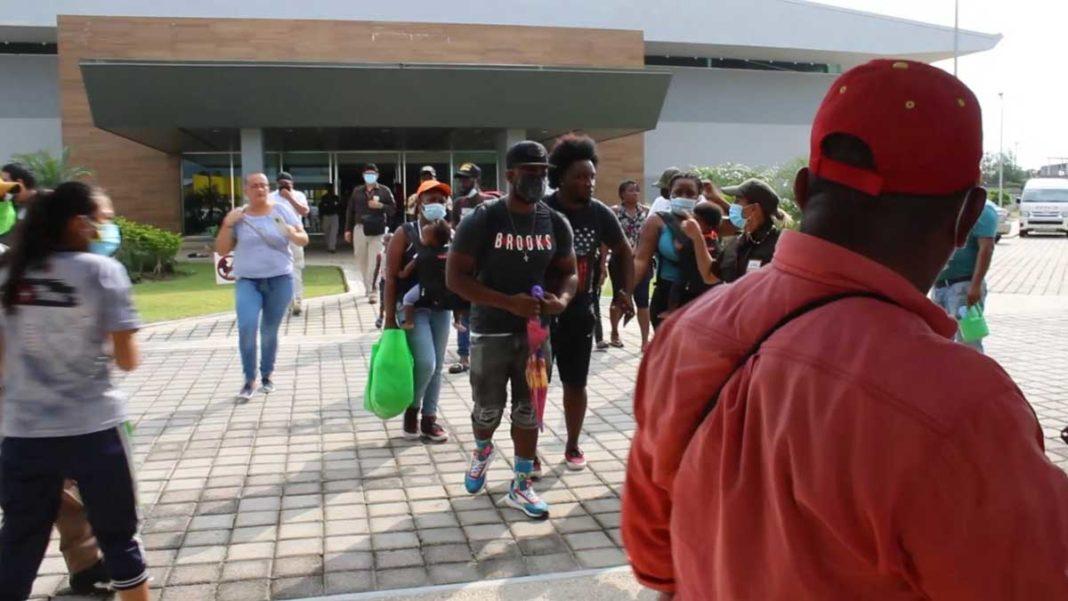 Estoy cruzando ríos y selva para llegar a Estados Unidos: migrante haitiana