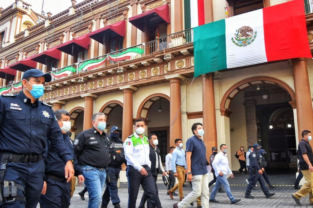 Cierran calles del centro de Xalapa para evitar aglomeraciones