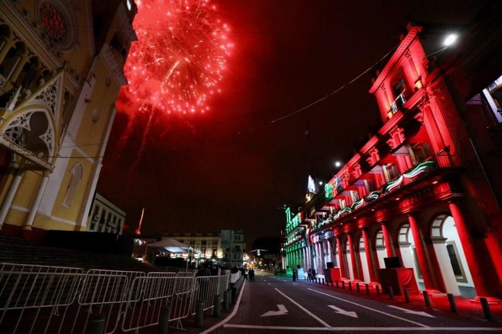 Sin incidentes, Grito de Independencia desde palacio de gobierno en Xalapa