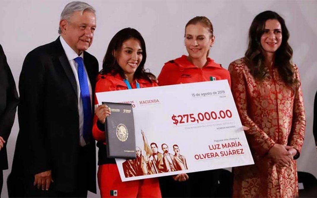 Atletas recibirán más de 93 millones de pesos tras participar en Tokio 2020