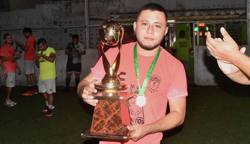 Tuzos campeones de los sábados en Central Soccer 5