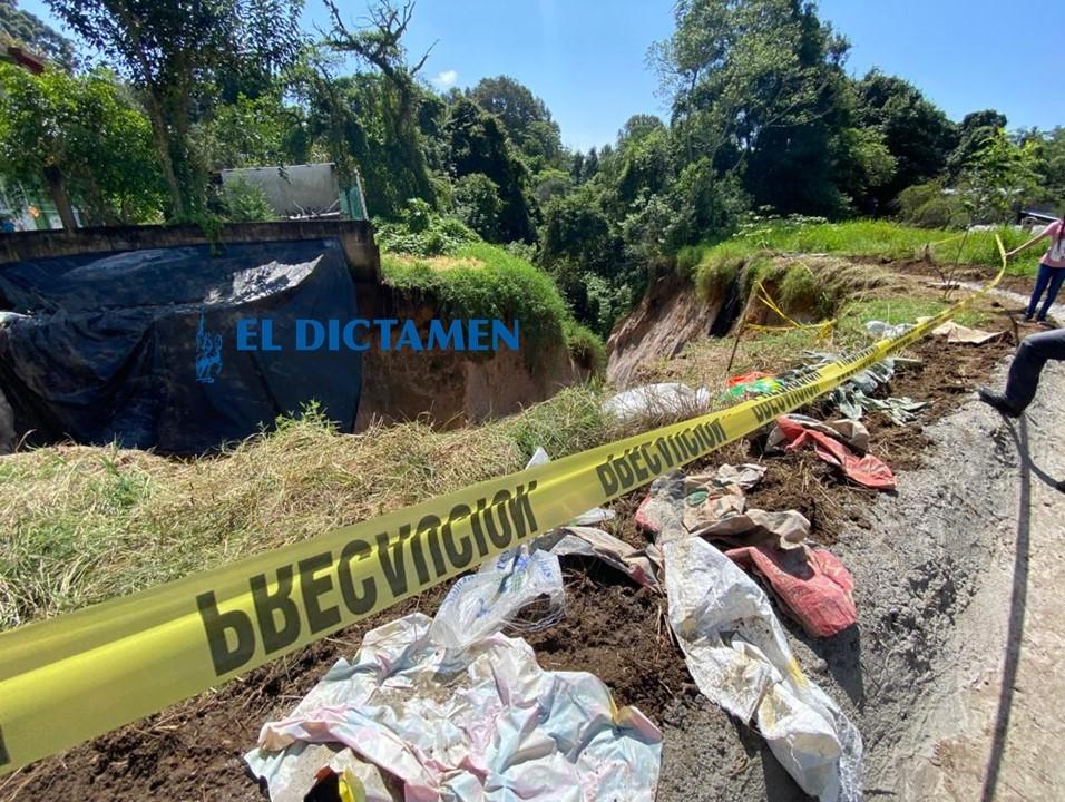 Vecinos de Tlalnelhuayocan viven sobre una bomba de tiempo