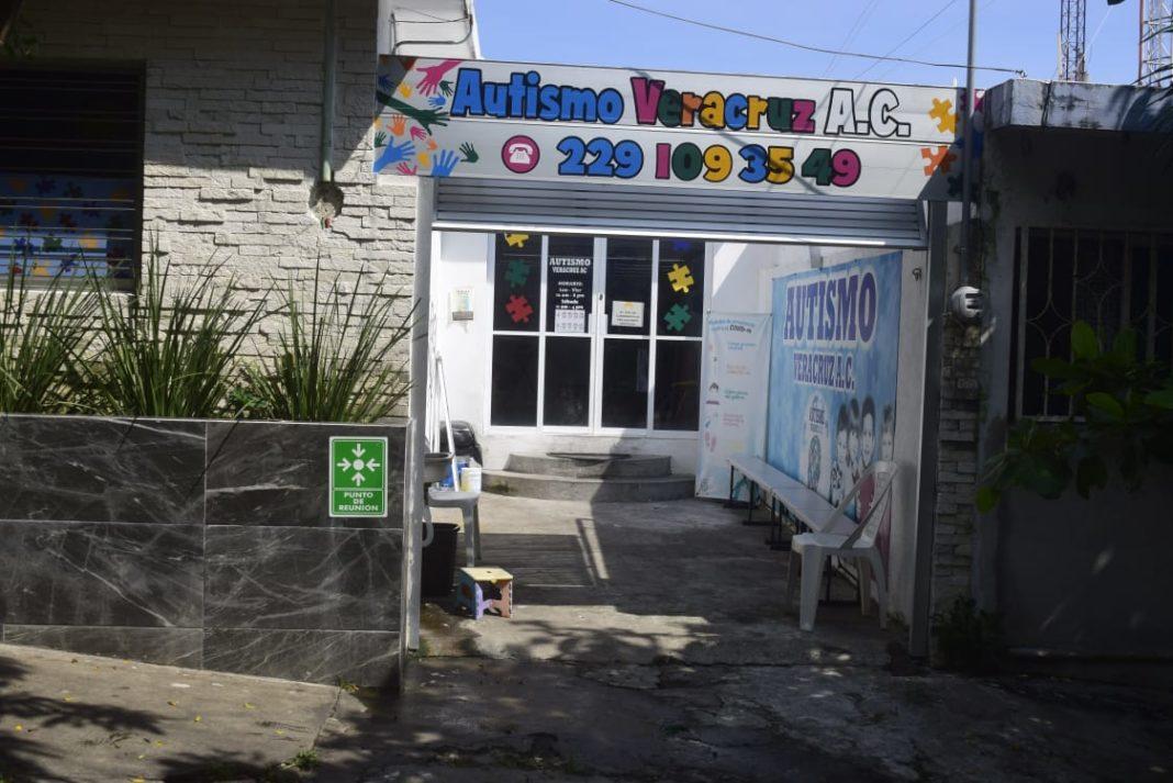 Delincuentes se meten a robar a escuela de autismo en Veracruz