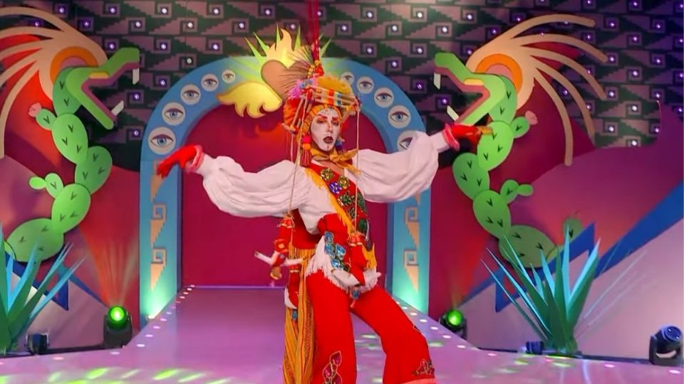 Polémica por uso de traje de volador de Papantla en programa drag queen