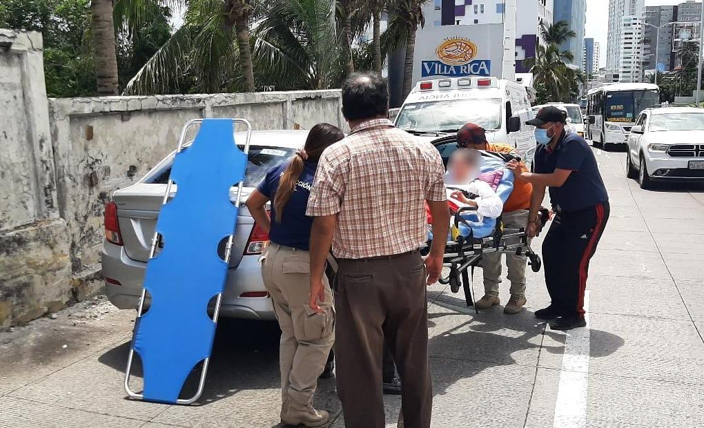 Accidente en el bulevar Miguel Alemán deja daños materiales