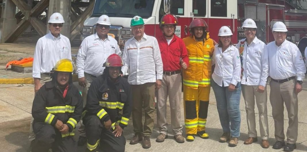 AMLO supervisa avances de la refinería de Minatitlán