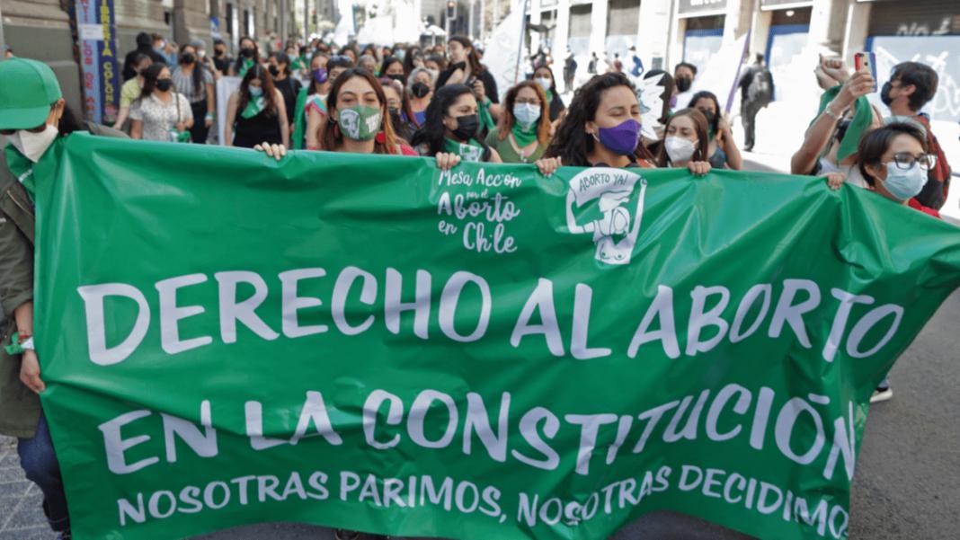 Diputados en Chile aprueban el aborto hasta con 14 semanas de gestación