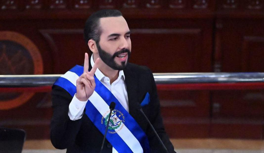 Presidente de El Salvador molesto por derrota ante el Tri